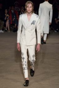 Alexander McQueen Spring 2016