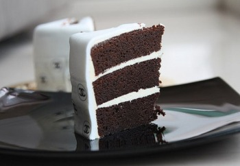 Black and White Cake, Chanel