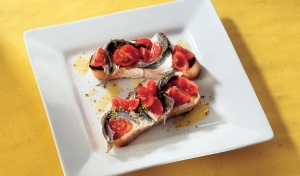 Italian-aperitivo-menu-5-recipes-including-bruschette-marinated-sardines