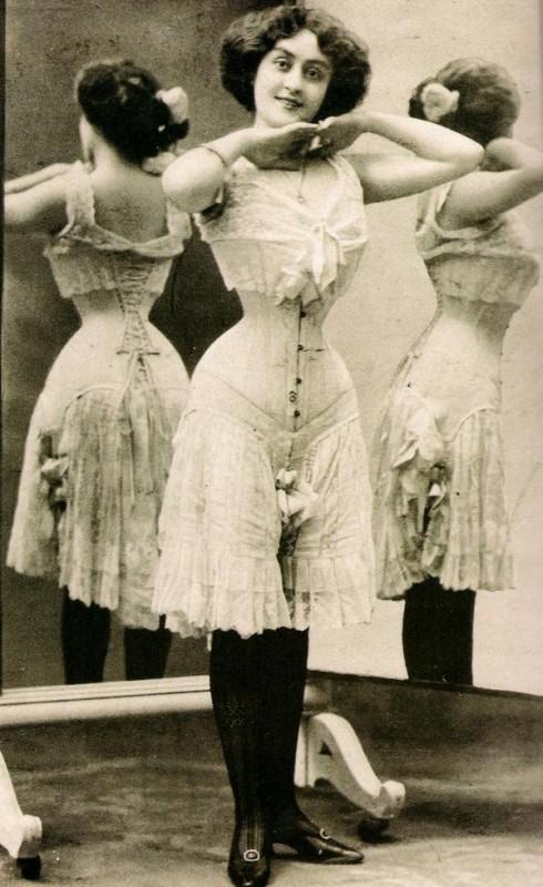 corsets-beauty-490x800